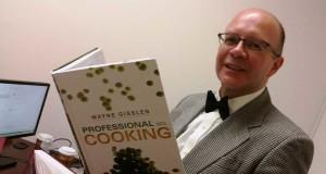 El Chef Louis Hernández, director de la Escuela de Culinaria de Passaic County Community College.