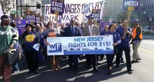 Grupos de trabajadores realizaron marchas en 2016 para lograr un aumento gradual del salario mínimo en New Jersery, a $15 la hora, pero no consiguieron resultados óptimos.
