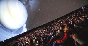 Unos 400 alumnos disfrutaron en el Planetario de NJ.